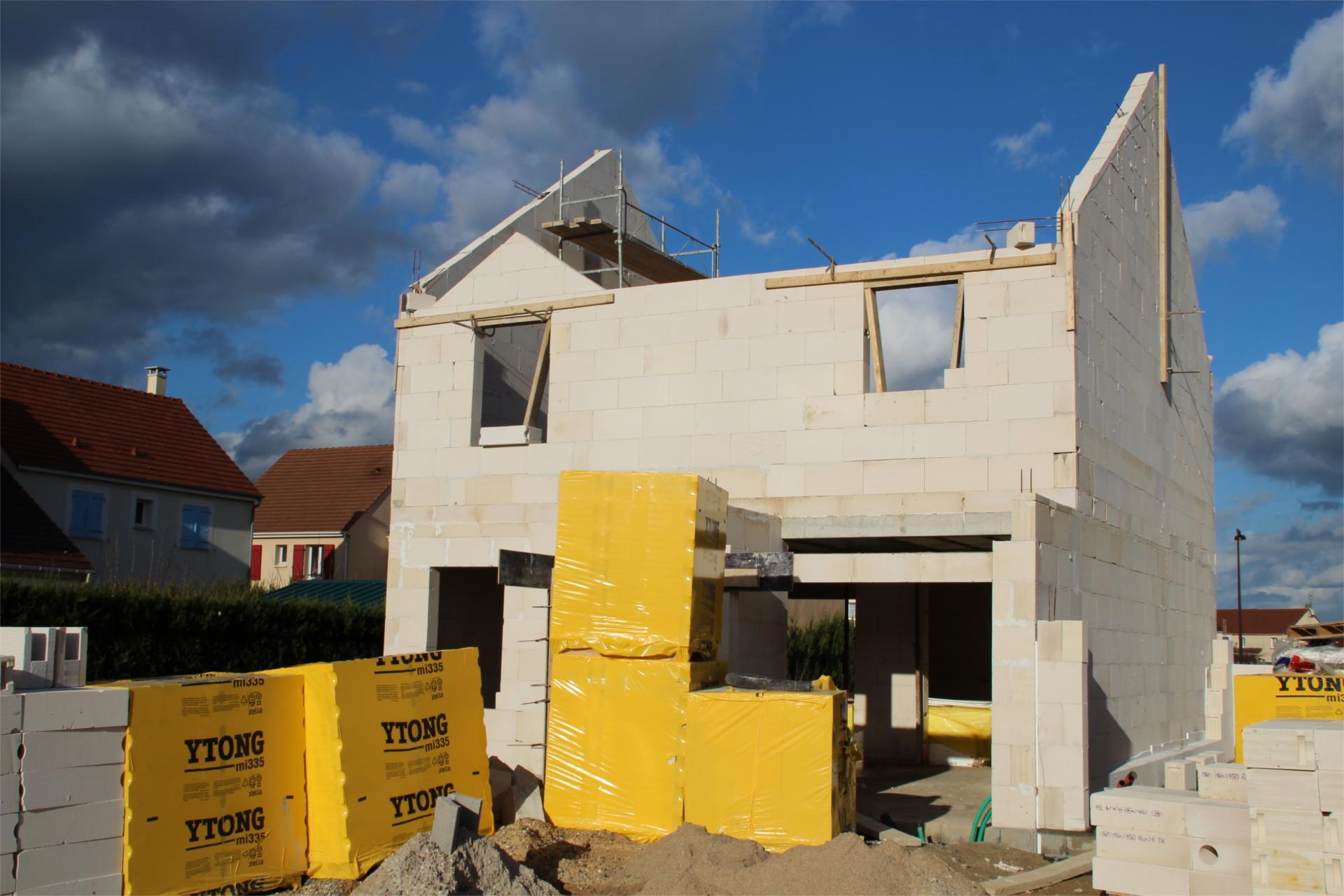 Преимущества и особенности строительства дома из газобетона