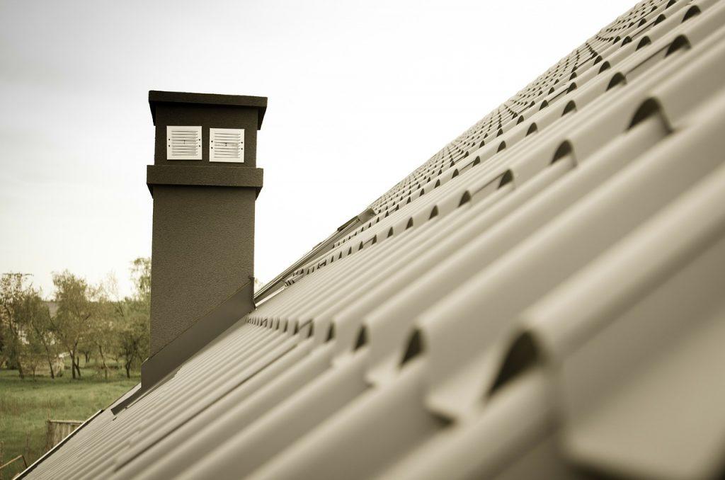 Komin systemowy czy murowany z cegły?