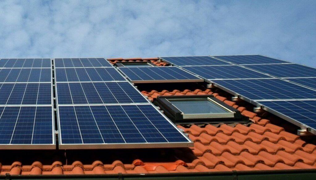 Montaż okien dachowych – co należy o nim wiedzieć?
